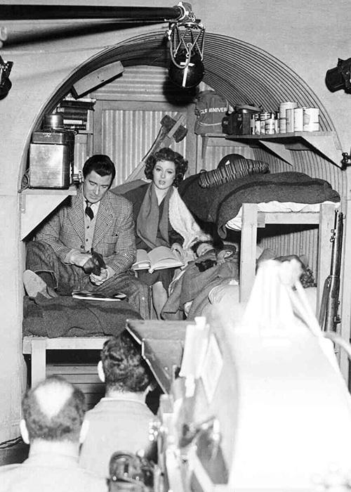 Walter Pidgeon, Greer Garson. MRS. MINIVER
