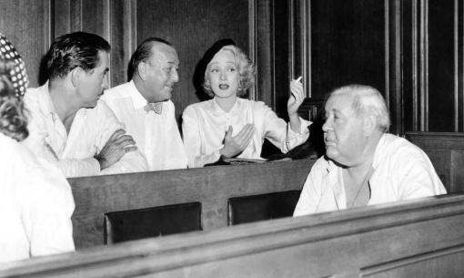 Tyrone Power, Marlene Dietrich, Charles Laughton entertain Noël COWARD . WITNESS FOR THE PROSECUTION
