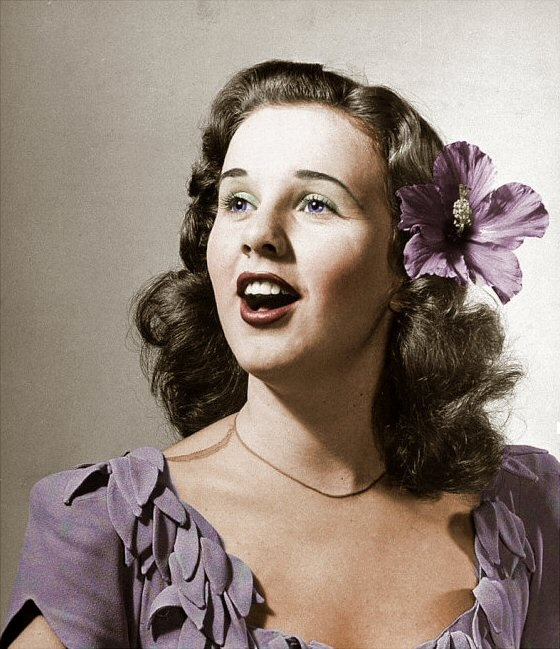 deanna durbin height