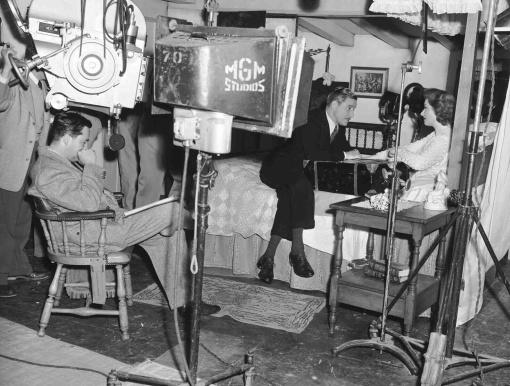 One foot on the floor of course. Ronald Colman,Greer Garson.RANDOM HARVEST