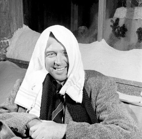 James Stewart.IT'S A WONDERFUL LIFE