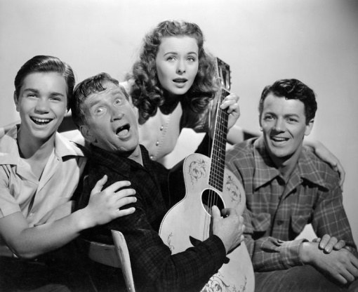 A bit of relaxation. Darryl Hickman,Chill Wills,Jeanne Crain,Cornel Wilde. LEAVE HER TO HEAVEN