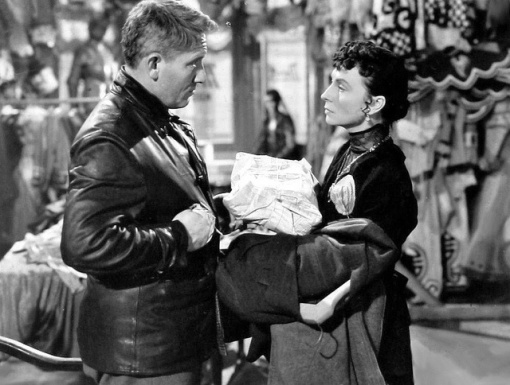 Spencer Tracy.Agnes Moorehead
