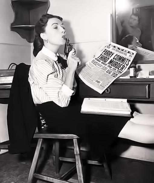 Agnes Moorehead. DARK PASSAGE
