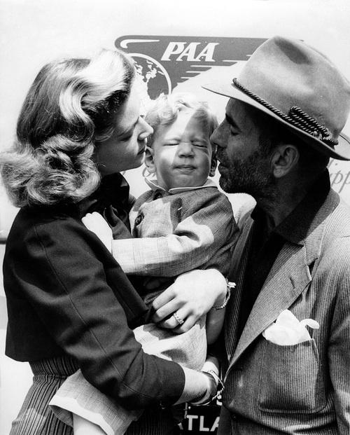 Lauren Bacall, baby Steven,Humphrey Bogart.