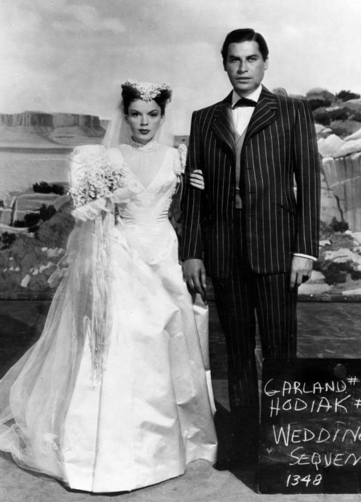 Judy Garland,John Hodiak. The Harvey Girls