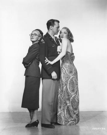 Jean Arthur,John Lund,Marlene Dietrich. A FOREIGN AFFAIR